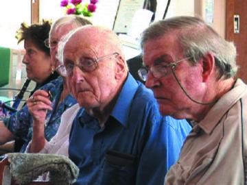 関係者を悩ませる高齢者の行動への対処